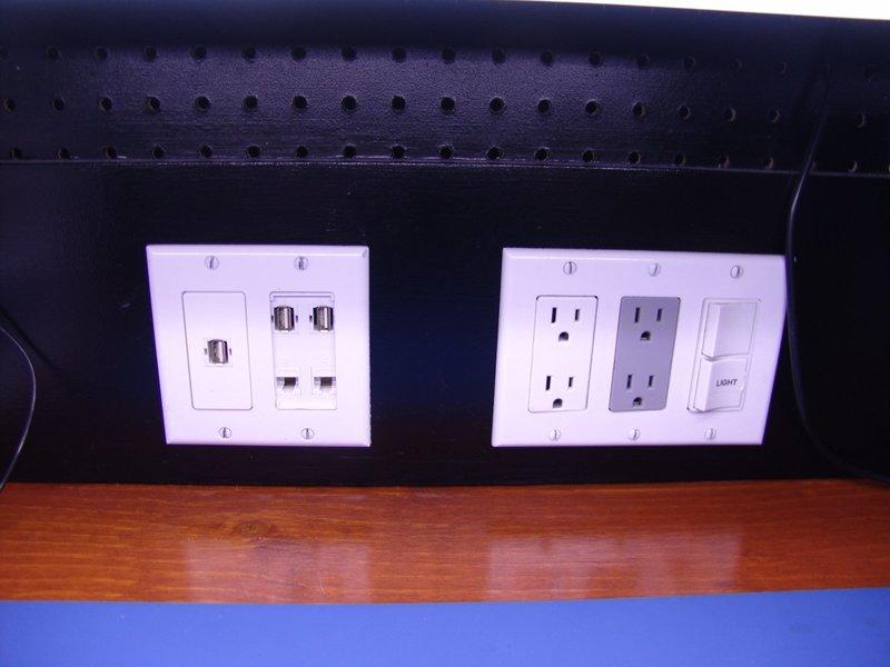 Diy electronics workbench shelves solutioingenieria Images